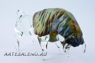TP05 Скульптура Бык 24см с кальцедоном муранское стекло