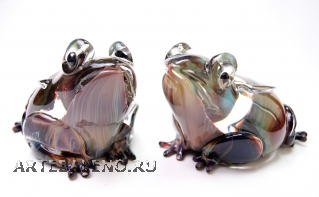 TP11 Скульптура Лягушка 20см с кальцедоном муранское стекло