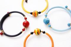 2012-8/maz Браслет Joy на цветном каучуке 4 цвета муранское стекло