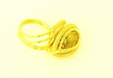RS77 Кольцо Futura  с золотой бусиной из муранского стекла